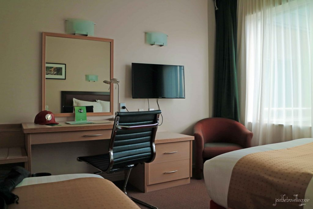 Holiday-Inn-Rotorua-Double-Bedroom